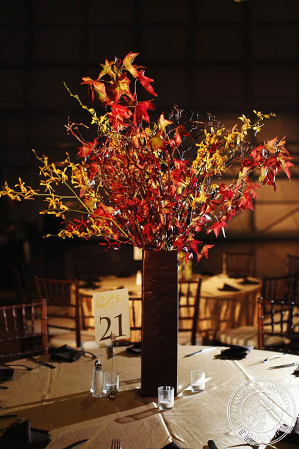 Tree With Leaves Falling Wallpaper Fully Falling For These Leaf Centerpieces B Lovely Events