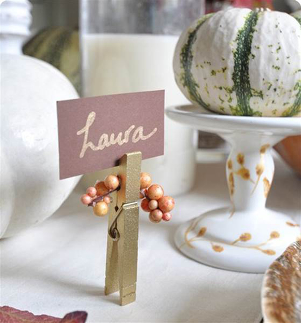 The loveliest thanksgiving place cards b lovely events for Place settings name card holders