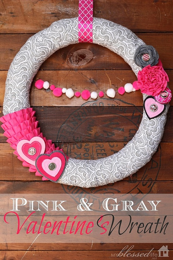 Pink and gray valentines wreath