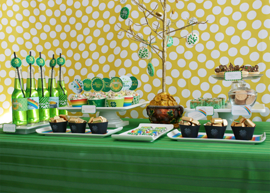 St.-Patricks-Day-Party-Dessert-Table