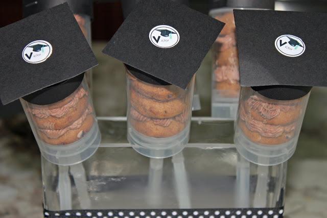 Cookie graduation push pops