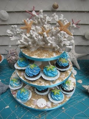 sandy cupcakes perfect for a beach and pool party