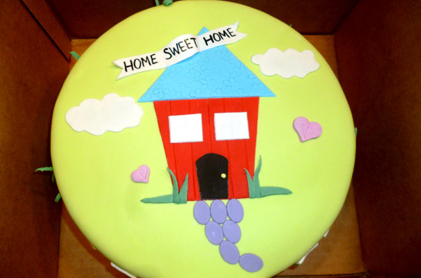 home sweet home housewarming cake