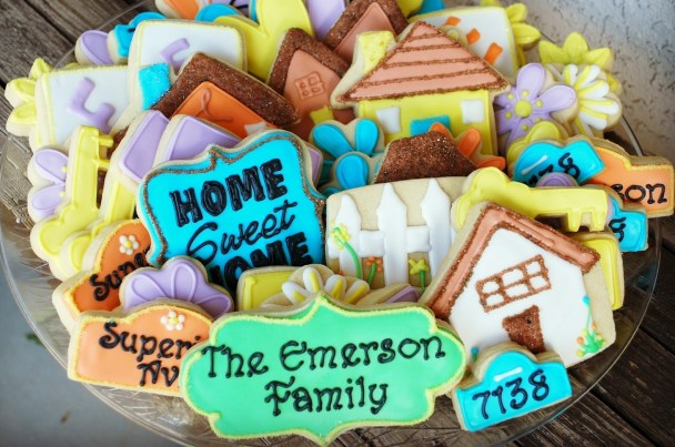 Housewarming cookie basket