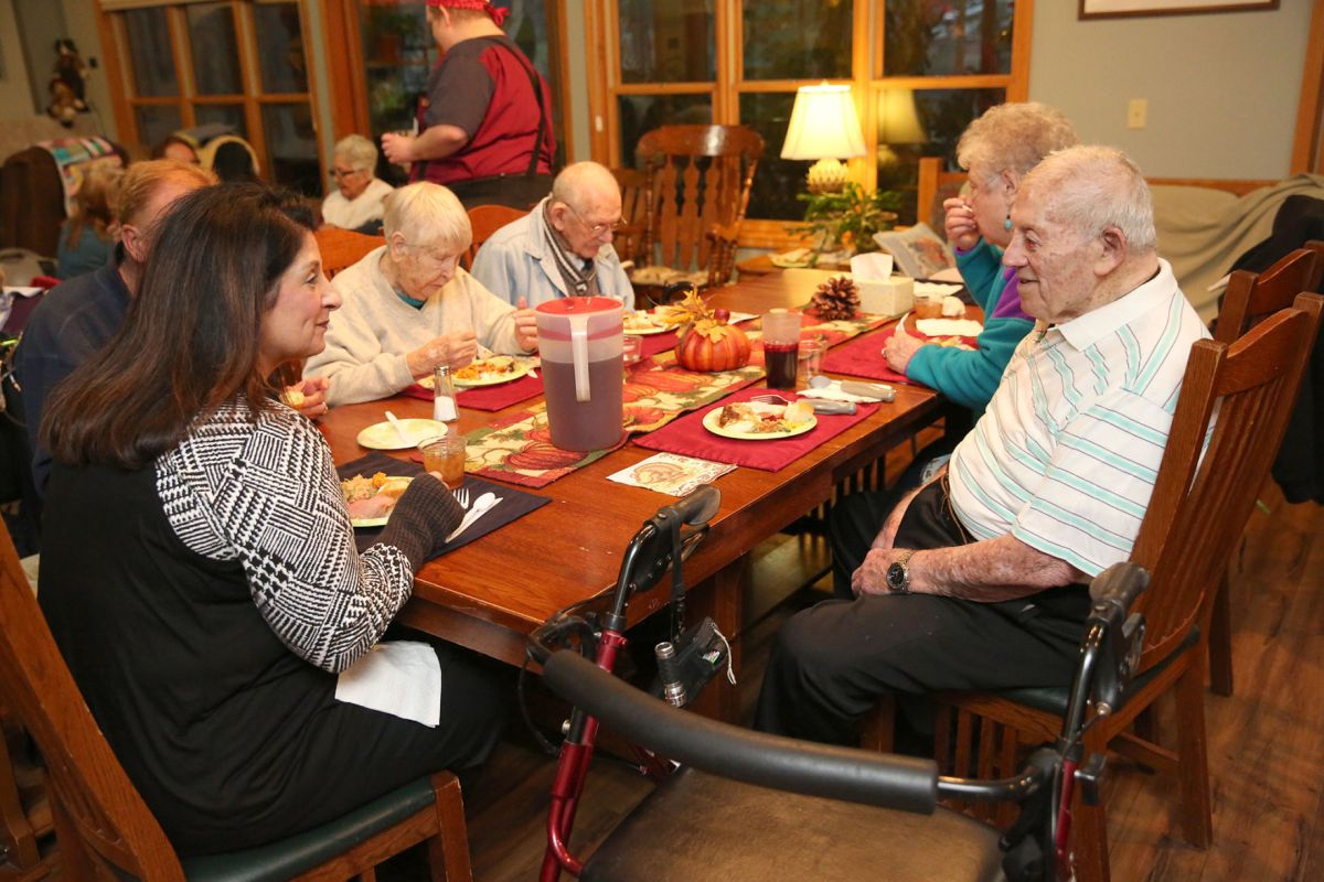 Jb Lighting Varyled 384 A Meal Of Memories At Olivia White Hospice Home News
