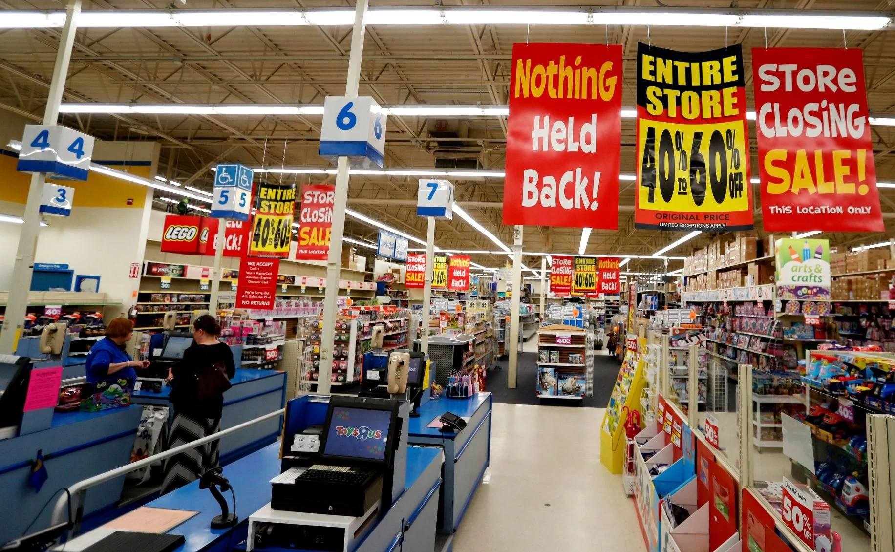 Store Closures Are Big Business As Toys R Us Herbergers