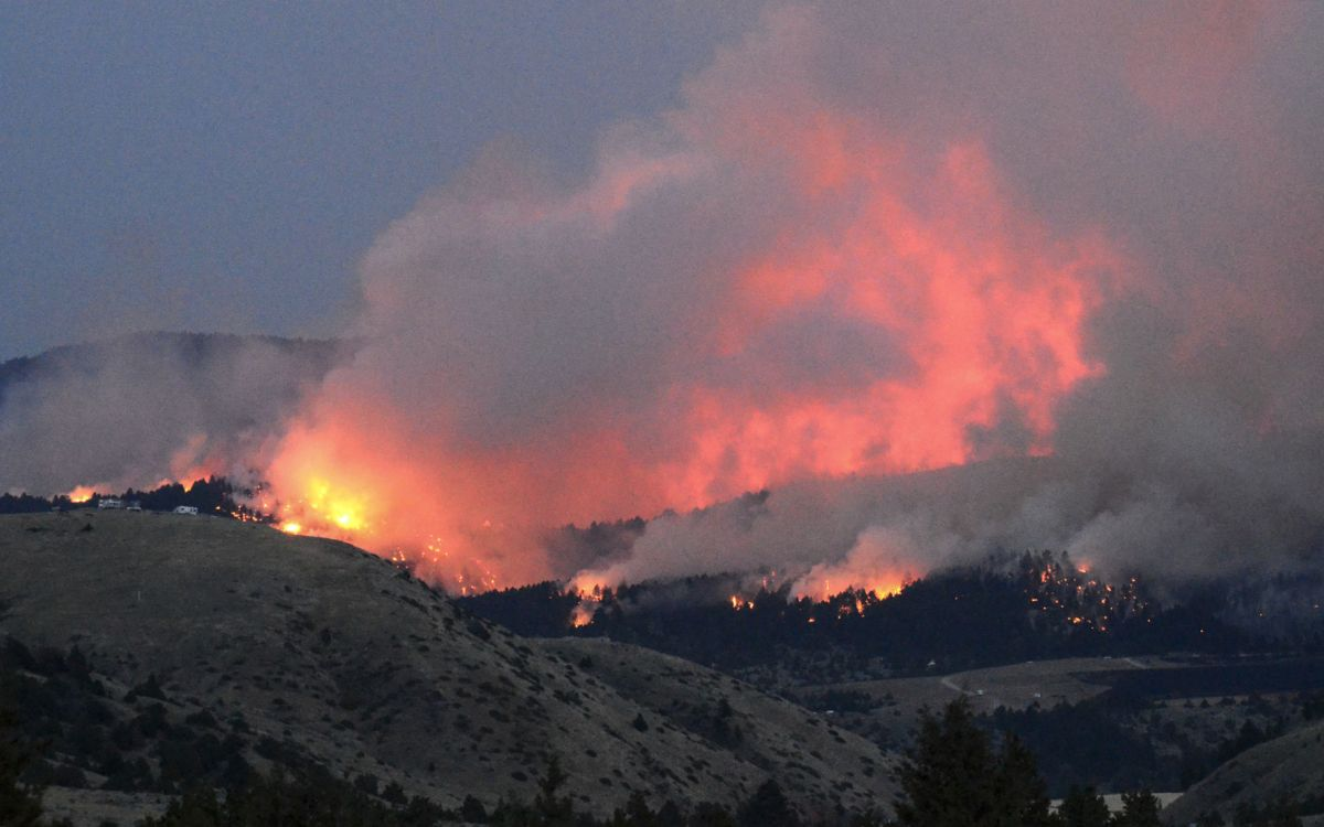 Horseshoe Fire Now Estimated At 2000 Acres Wildfires