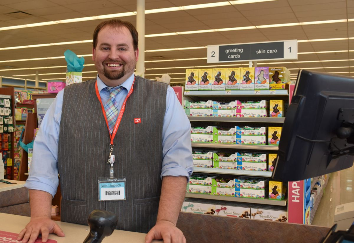 assistant manager walgreens