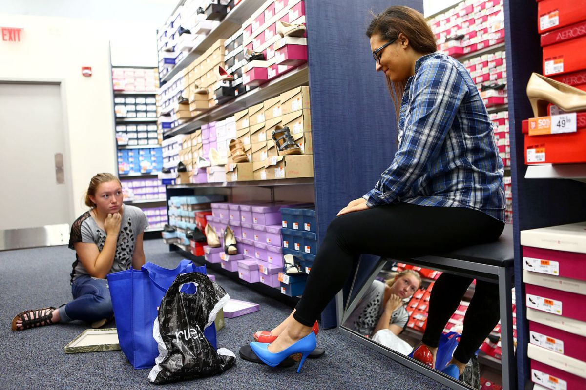 New Shoe Store Opens In Markland Mall News