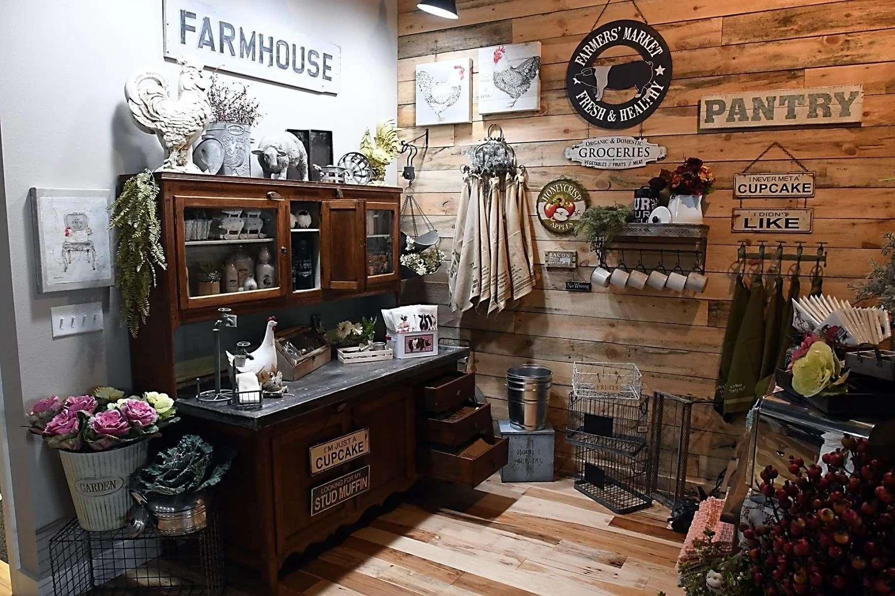 Farmhouse Coffee Shop New Coffee Shop Decor Business In North Mankato News