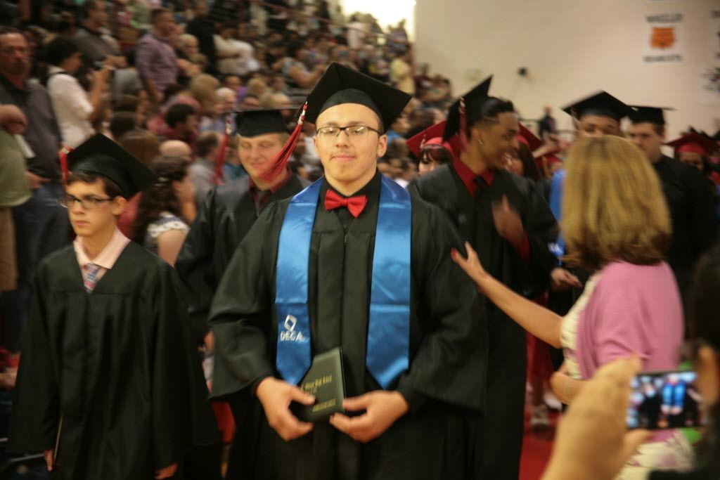 Edison High School seniors give back at graduation Lake Station