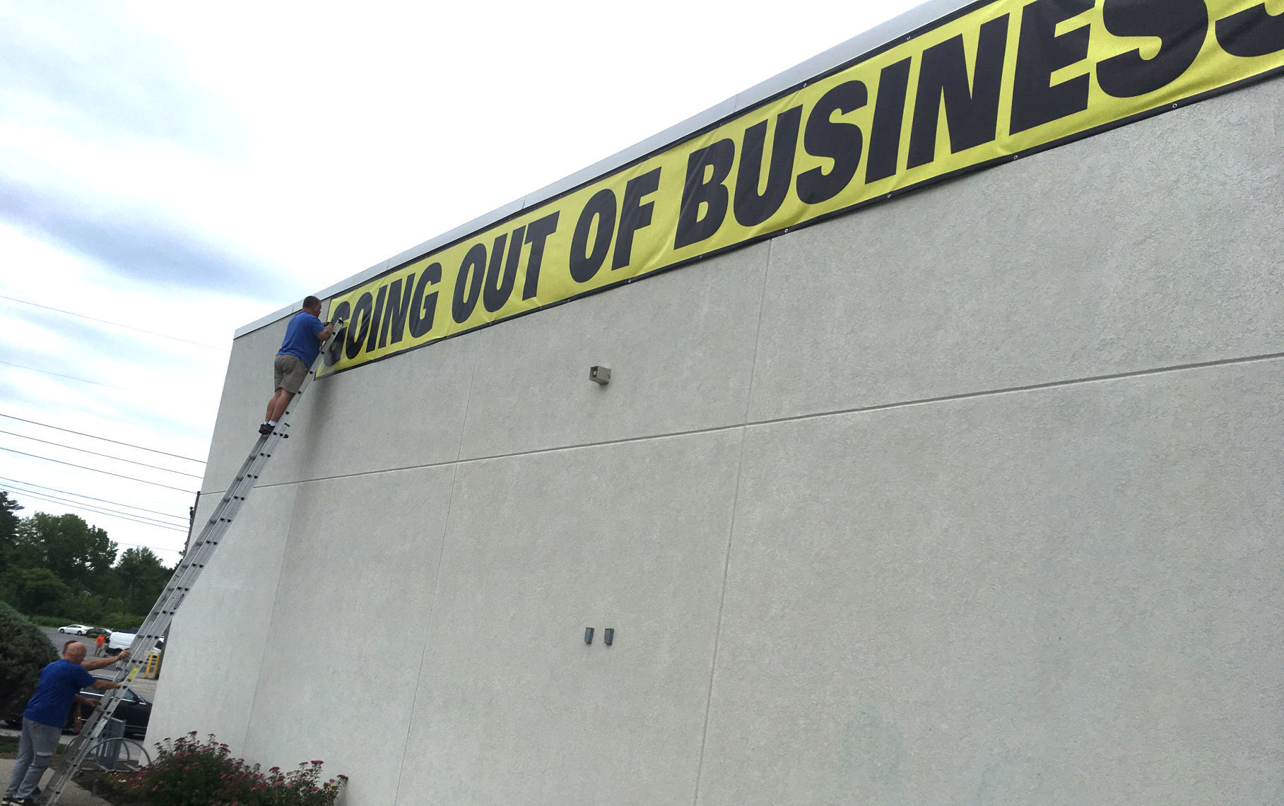 New Tenant In The Wings For Queensbury Toys R Us Store