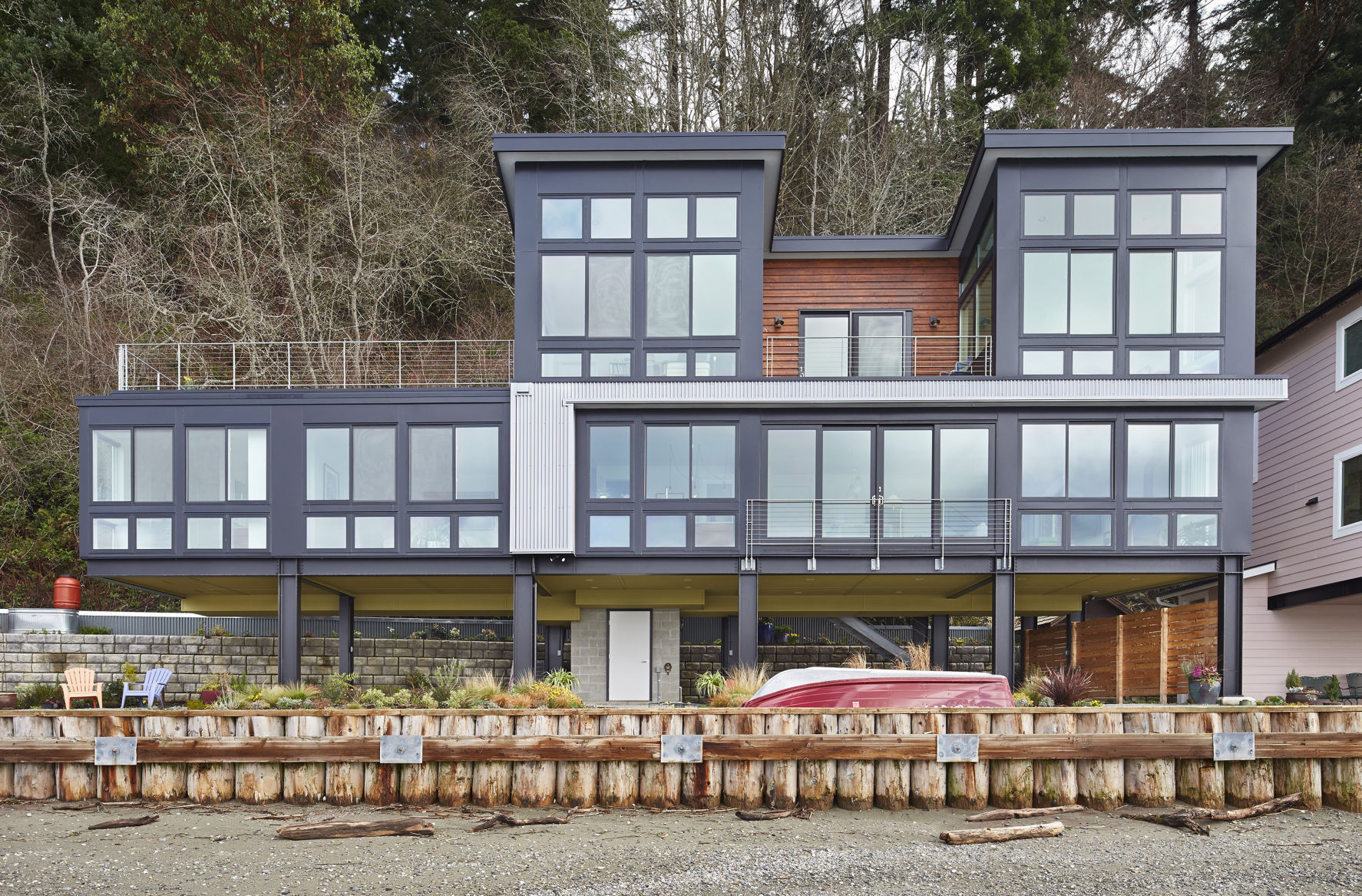 A Family Getaway On Camano Island Rises To Overcome Steep Challenges Home And Garden Siouxcityjournal Com