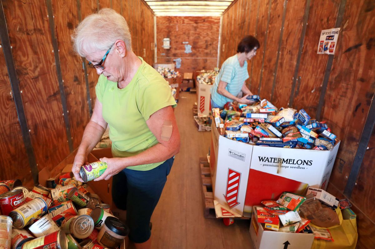 Husker Harvest Days Ffa Groups Team Up To Collect Canned