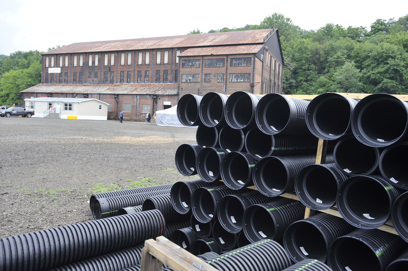 Cucina A Gas Raymond Ohio Based Company Opens Pipe Storage Facility In Johnstown News