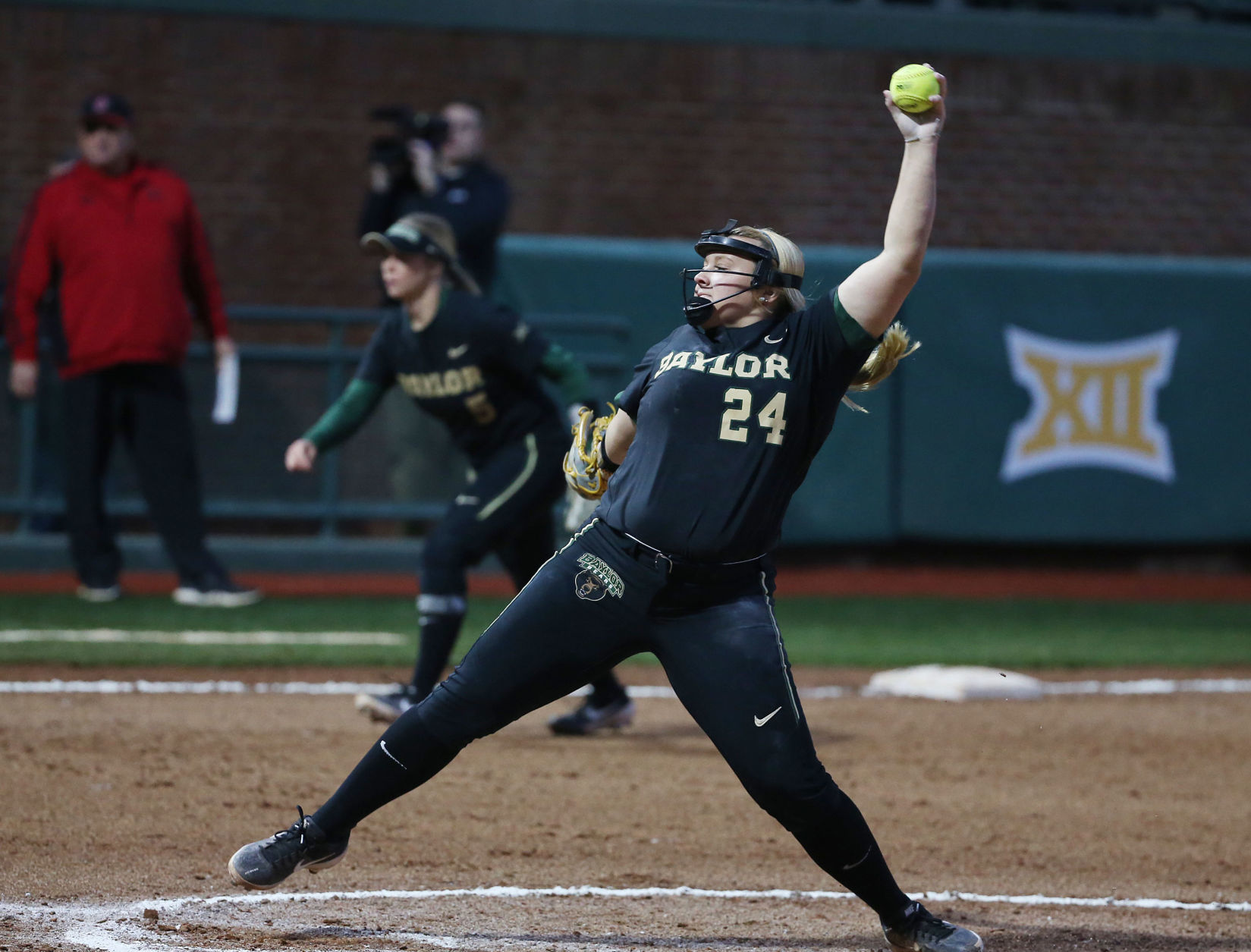 Garage Games Invitational Lady Bears Thoughts With Ailing Lumley In Baylor Invitational