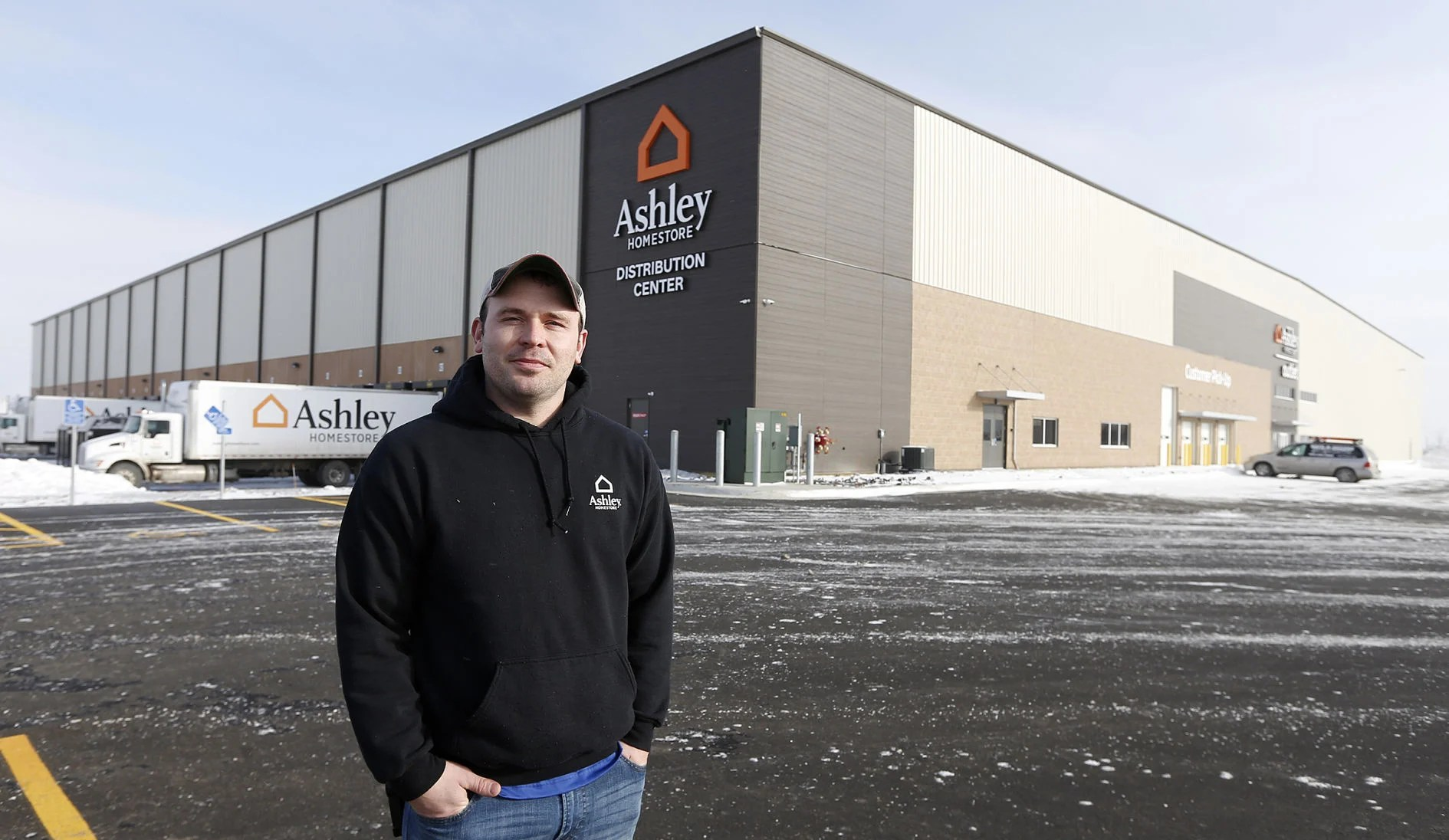 Photos Ashley Furniture Warehouse Opens In Cedar Falls Business Local News Wcfcourier Com