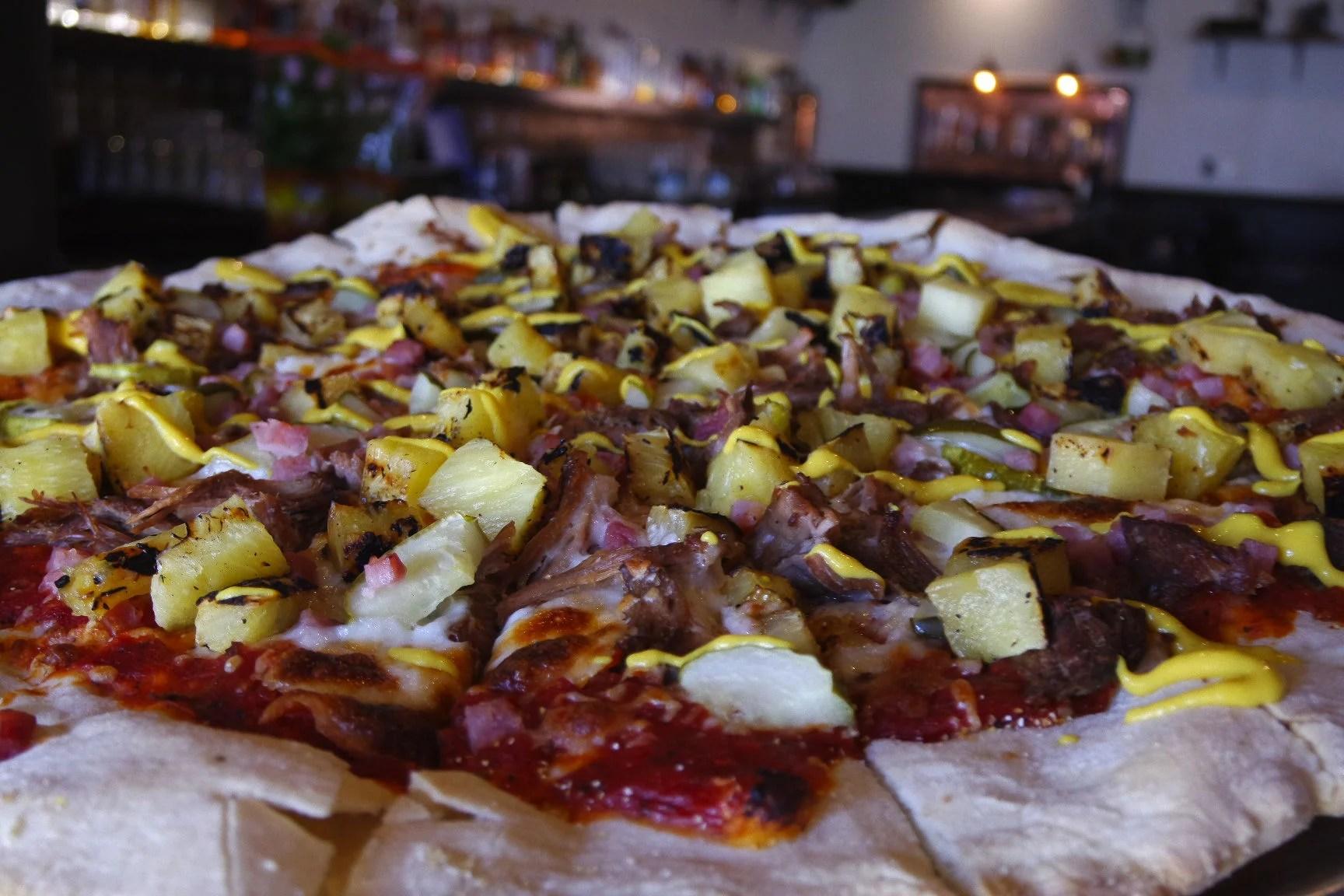 Fullsize Of Pizza On Pineapple