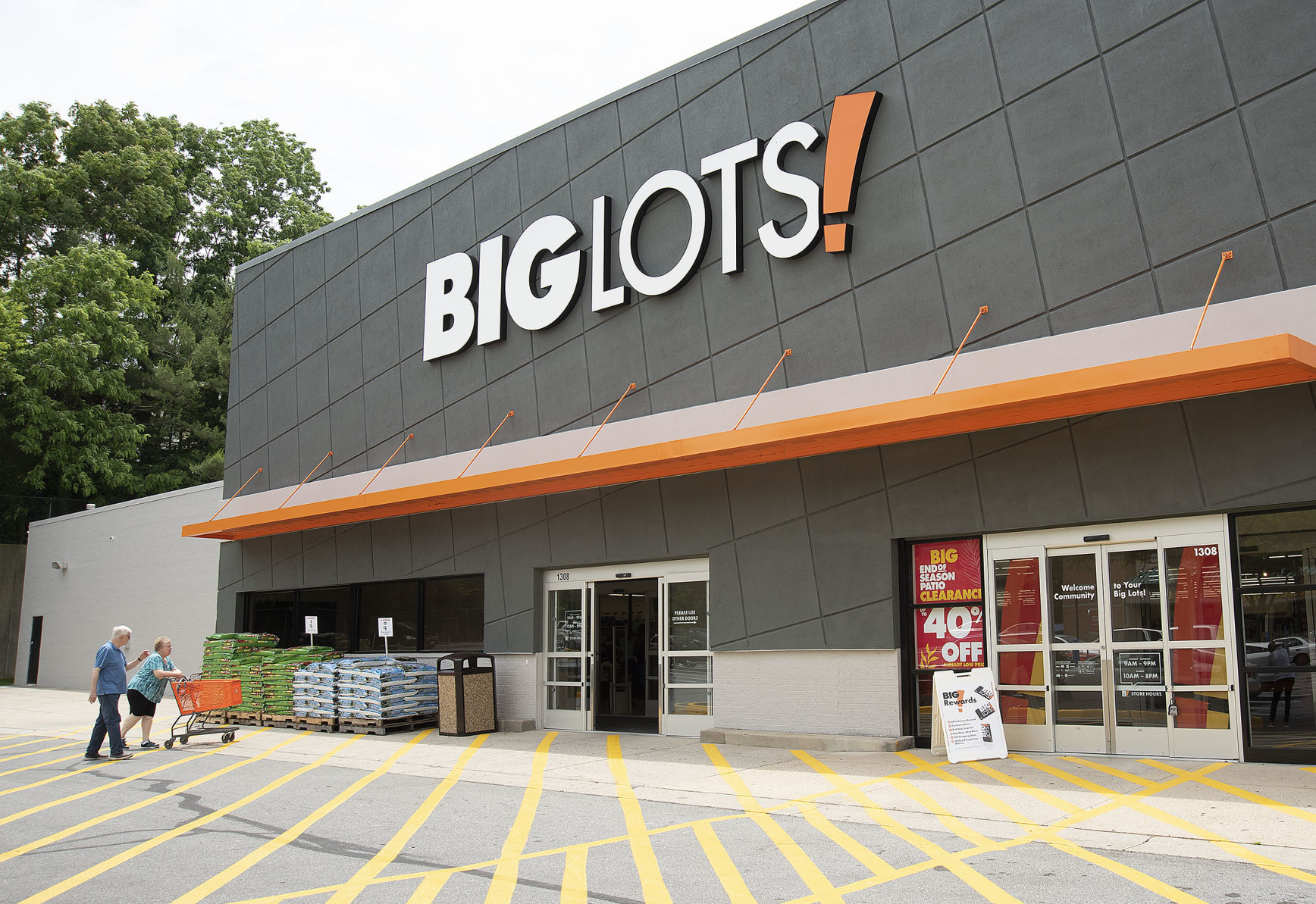 Big Lots Big Lots Opens On Golden Mile Retail Fredericknewspost