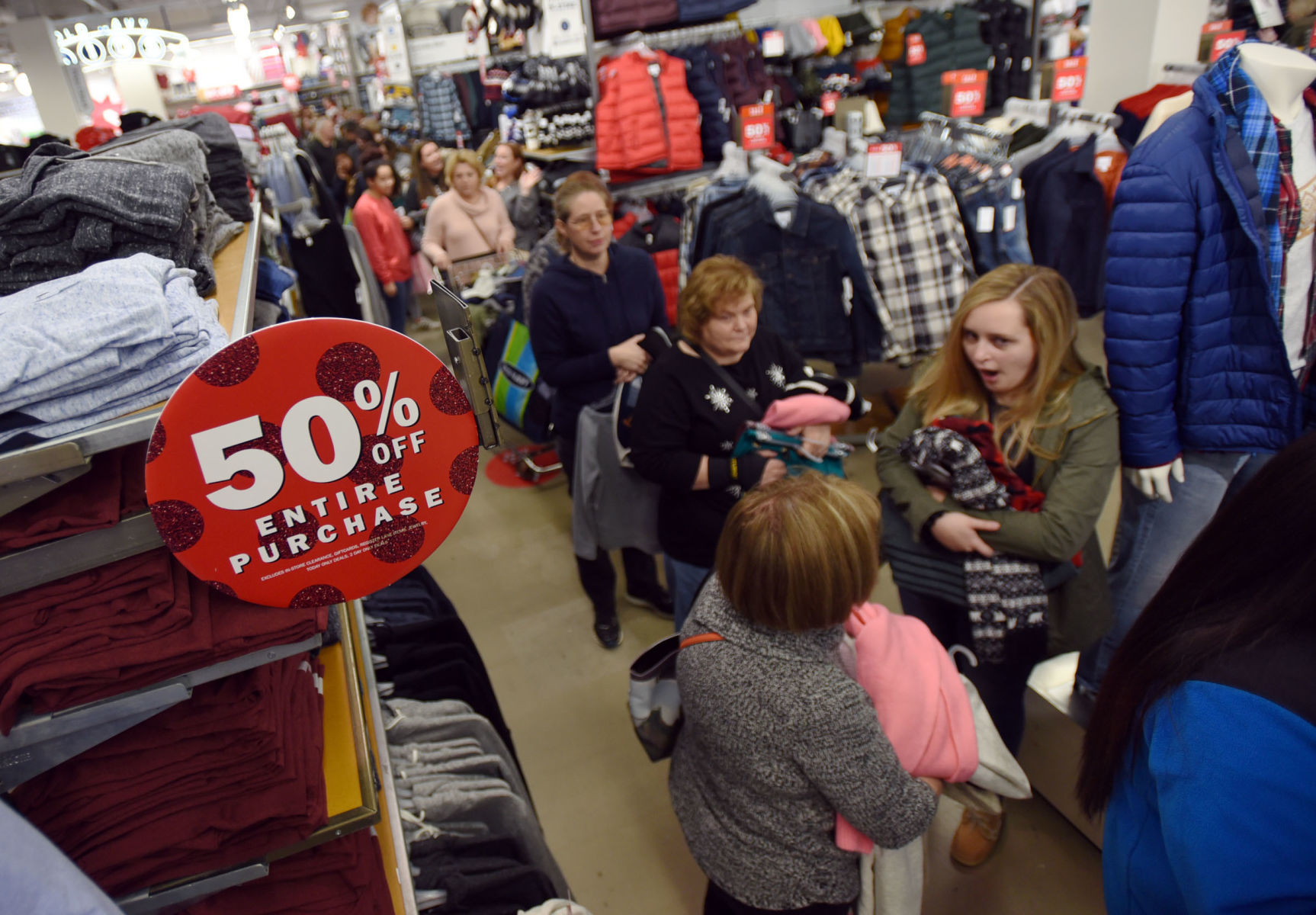 Black Friday Starts Earlier And Earlier As Merchants Don T Want To Lose Chances To Boost Bottom Lines Local News Journalnow Com