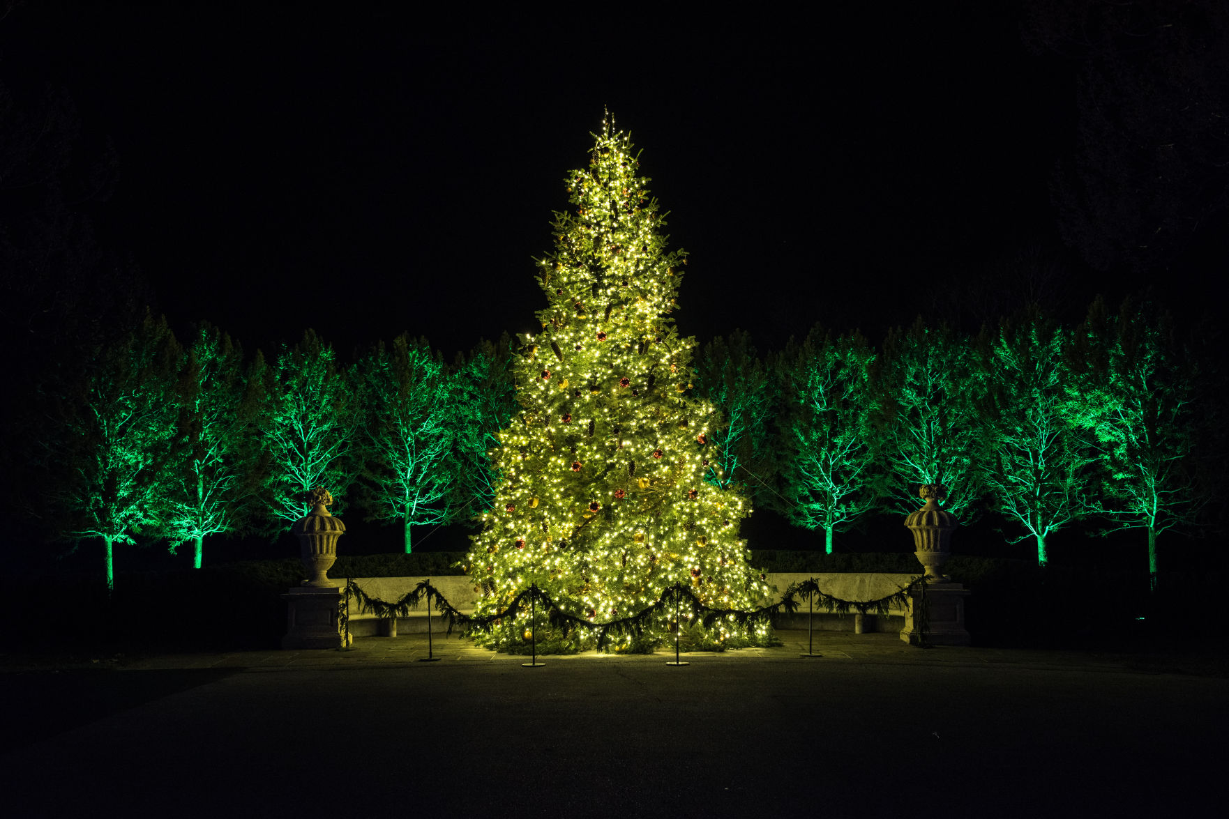 Decor De Parterre French Inspired Holiday Decor Lights Up Longwood Gardens