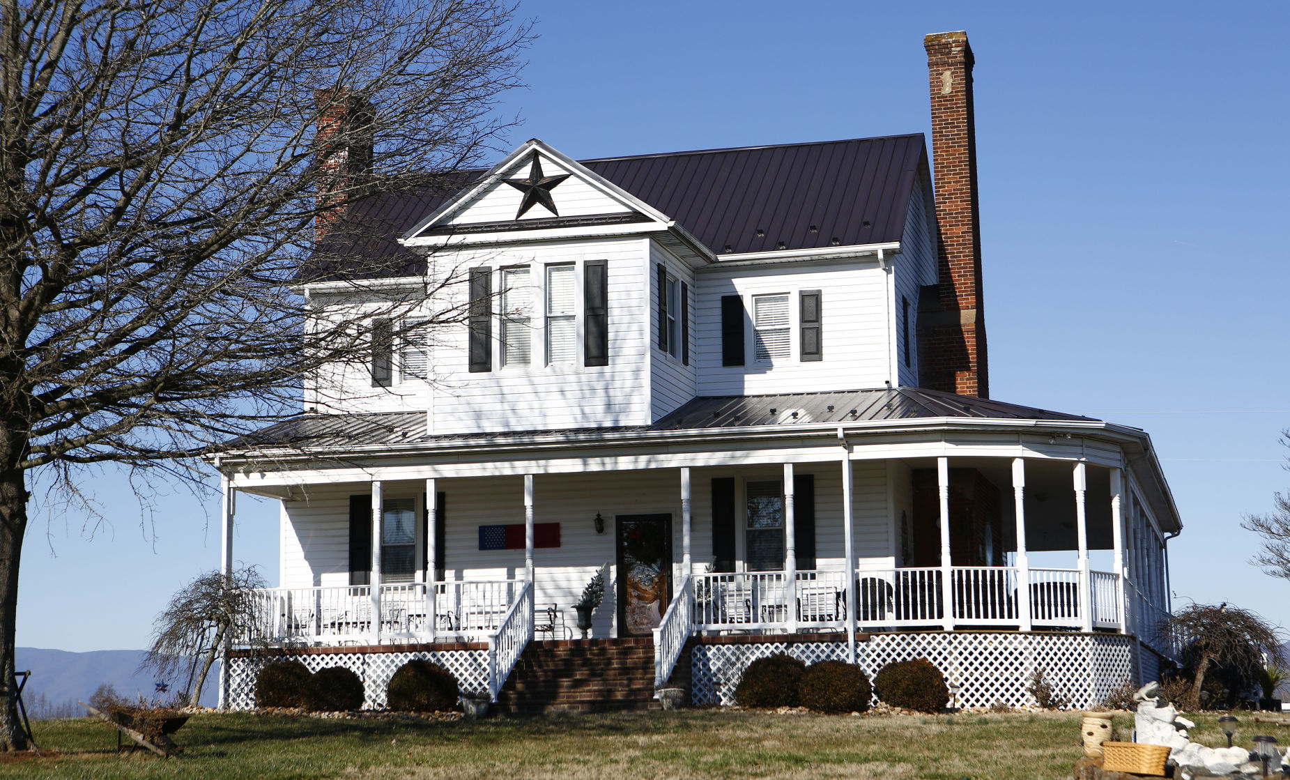 Old Bedford Farmhouse Has Weathered Storms For More Than 200 Years Local News Newsadvance Com