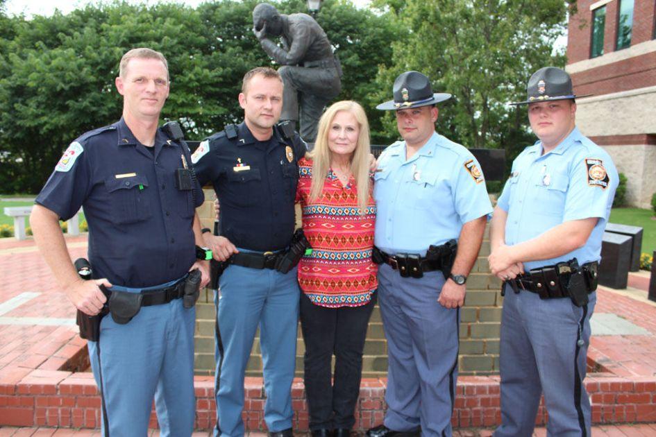 Floyd Co Police Award Donald Holbrook And Chad Matthews