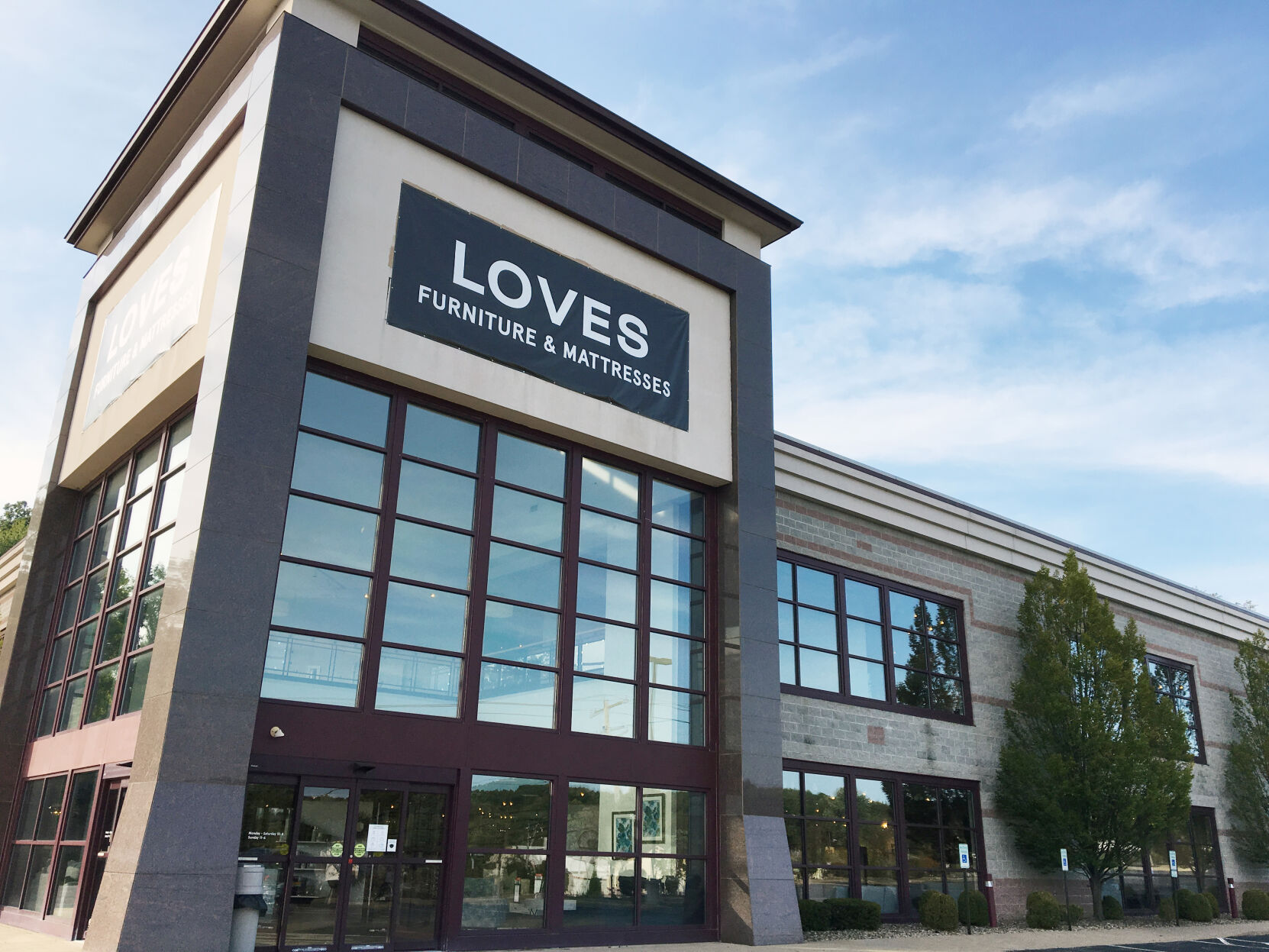 Levin Furniture Is Returning To Peters Business Observer Reporter Com
