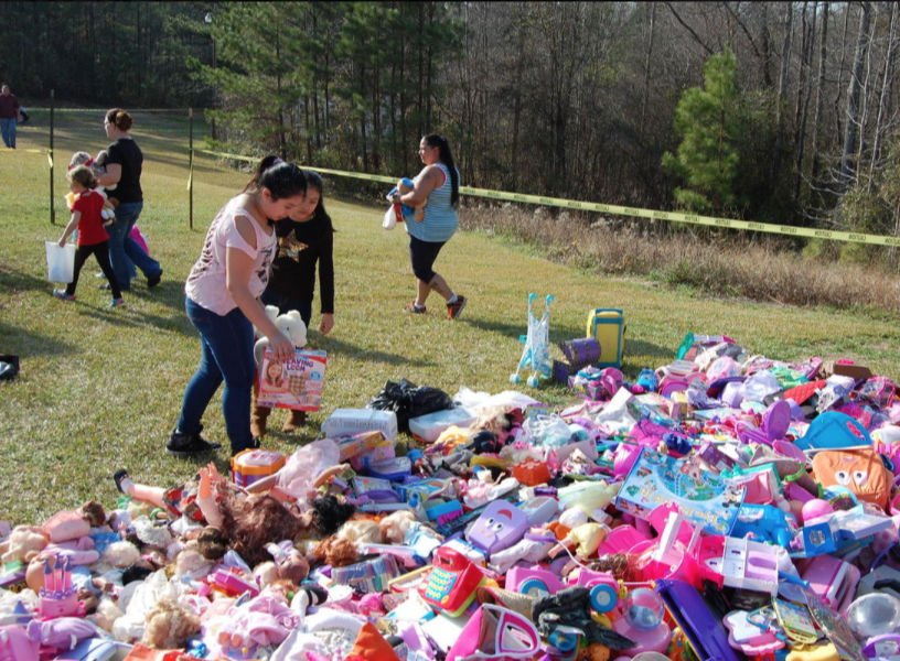 Yard Sale in Robbins to Help Needy Kids on Christmas News - christmas toy sales