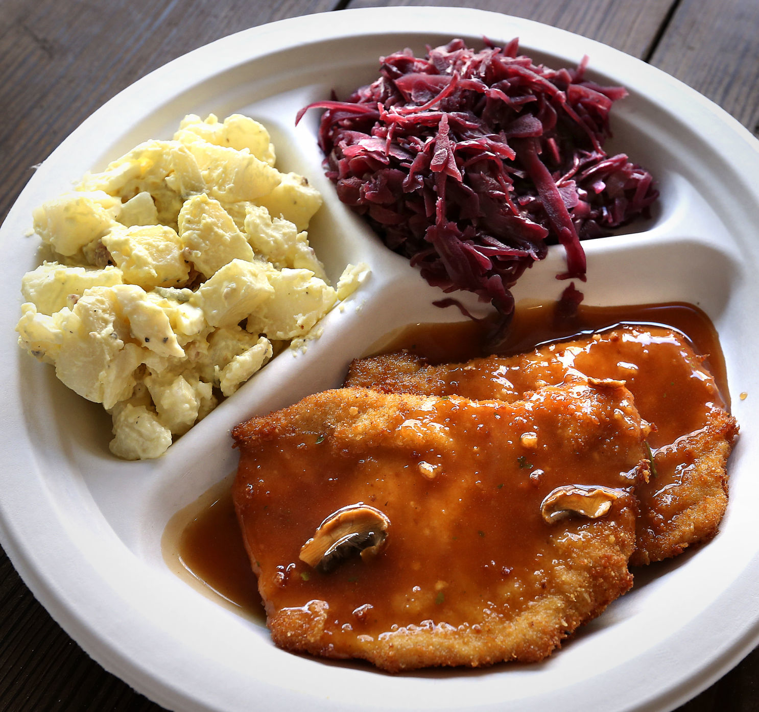 Schnitzel Restaurant German Table Restaurant Offers Beers And Brats On Loudoun Street