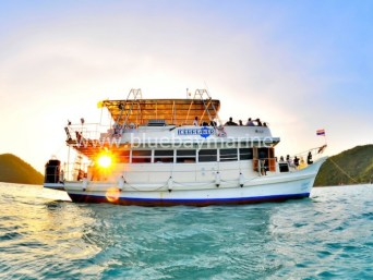 ice-breaker-pattaya-party-yacht-rentals-4