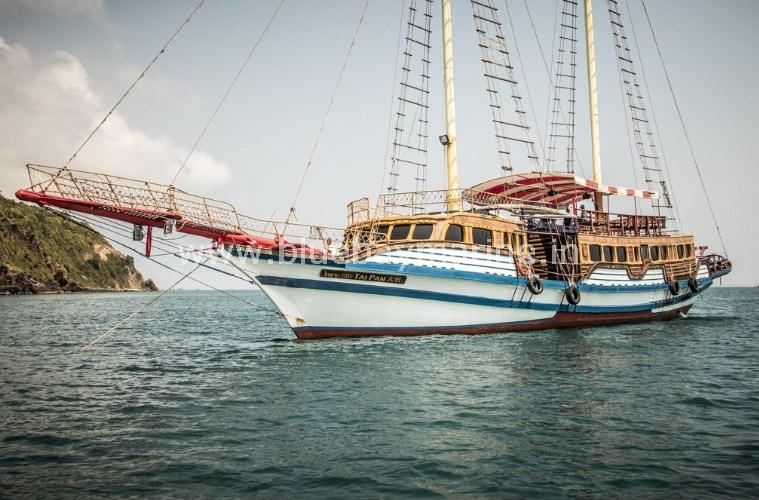 tai-pan-party-boat-pattaya-thailand-3