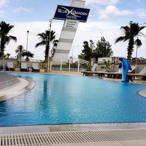 antalya yüzme havuzu konyaaltı sahilde oteller blue garden hotel (11)