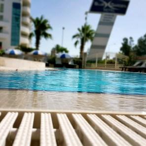 antalya yüzme havuzu konyaaltı sahilde oteller blue garden hotel (33)