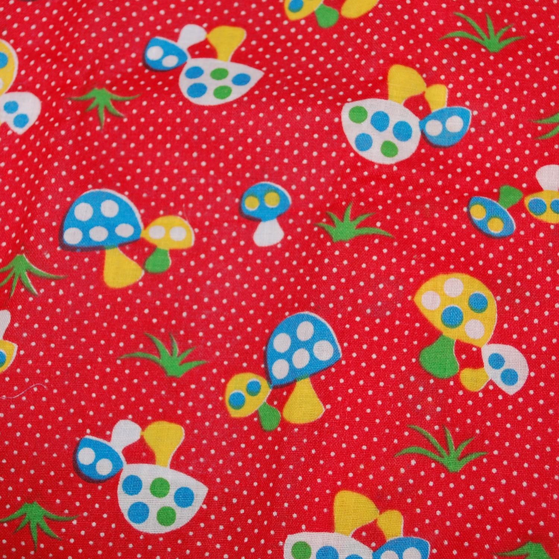 red-mushroom-fabric-vintage1