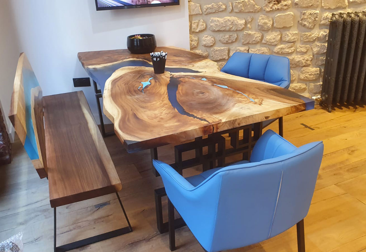 Blue River Paris Mobilier En Bois Et Résine Epoxy En France