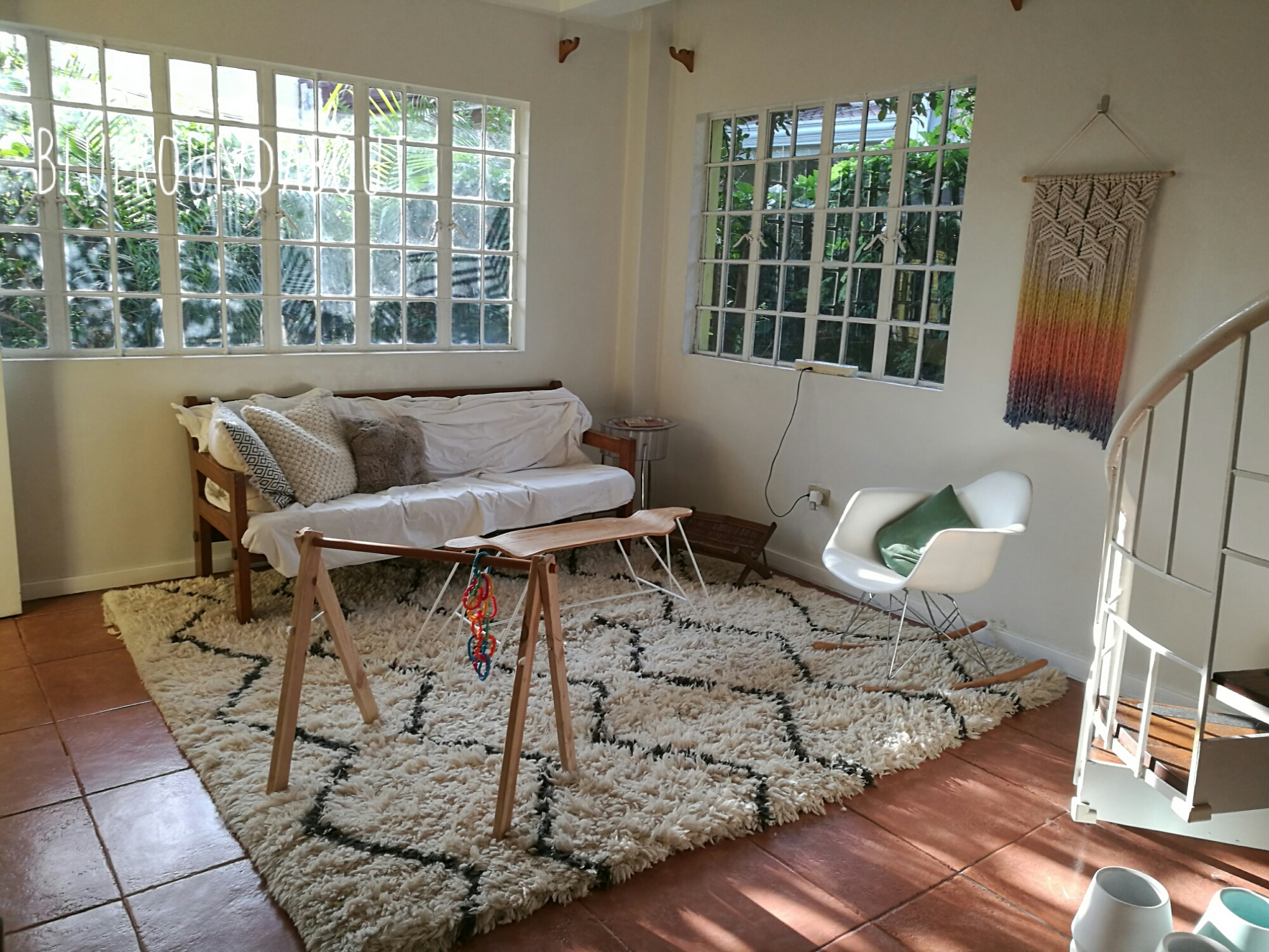 Obviously There Are So Many Things Still So Wrong With The Living Room,  Based On The Photo Alone! I Tried Folding In The Rug To See How It Would  Look, ...