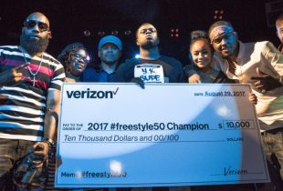 #Freestyle50 Cypher winner Y.K. Supe (middle) pictured with Smack White (host), his guest, Sway Calloway (host), Jessica Thorpe (Corporate Communications, Verizon), London On Da Track (music producer) and Kevin Liles (300 Entertainment co-founder) | Photo Credit: Largrant Communications