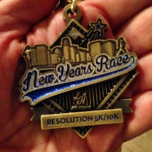 #NewYearsRace Race Recap, 10k, Los Angeles, Chinatown, Dodger Stadium, That Scary Tunnel, sisters who run together