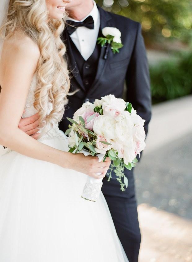 ambassador-mansion-and-gardens-pasadena-wedding-000087460005