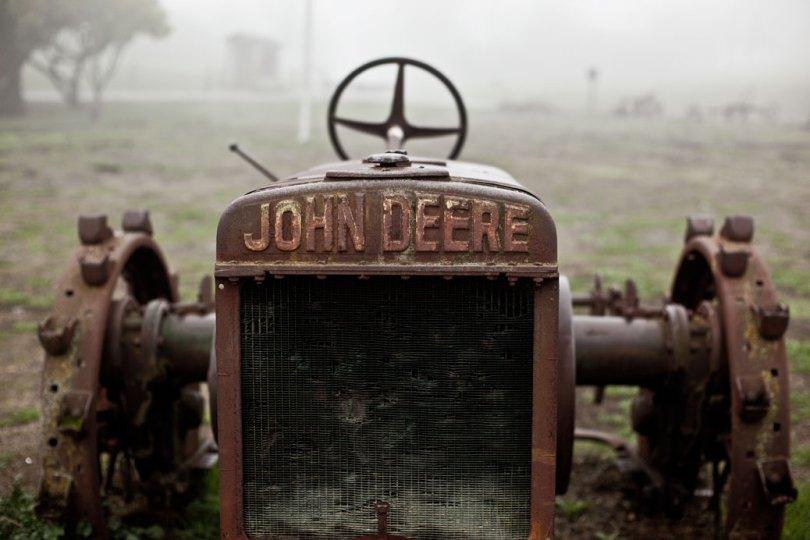 Vintage John Deere 2
