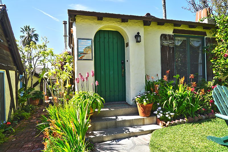 Courtyard Gates Manzanita Cottages: Laguna Beach, Ca Beach Cottage Rentals