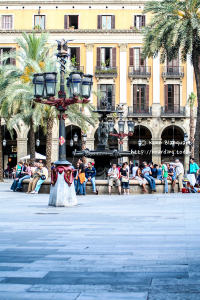 Plaça Reial is one of the things to do in Barcelona