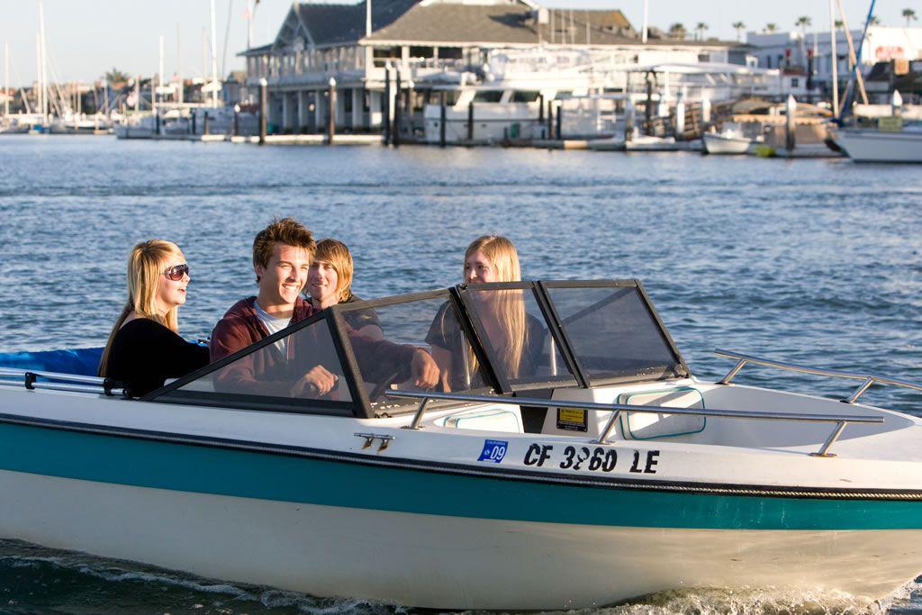 newport_boat_rental_slider3