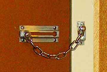 door-chain-upsidedown