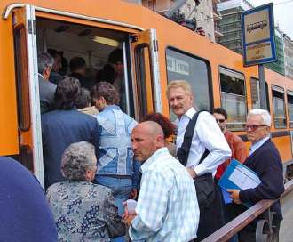Pickpocket paradise: a tram packed to bursting, thieves squashed against victims