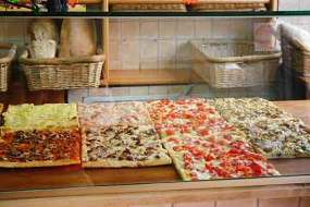 Pizza by weight in Rome