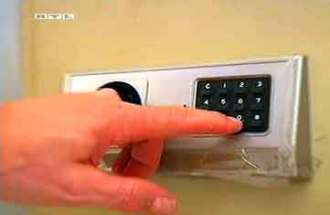 hotel safe theft