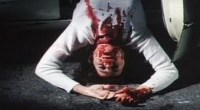 Com Drive-in demais e Massacre de menos, filme entrega sangue e muita decepção!