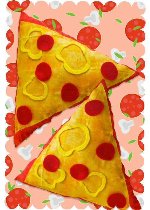 DIY-Pizza-Shape-Throw-Pillow